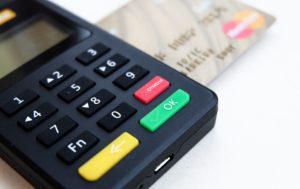 Cashless ekonomika je krok zpět, tvrdí Slaný z DRFG