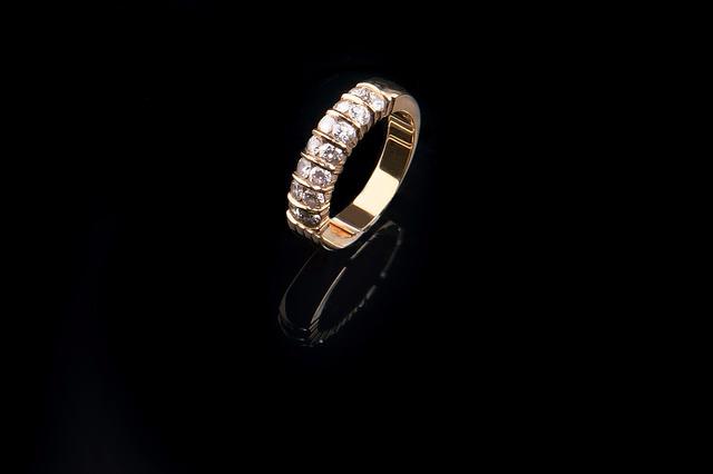 Pandora začne nabízet dostupnější šperky